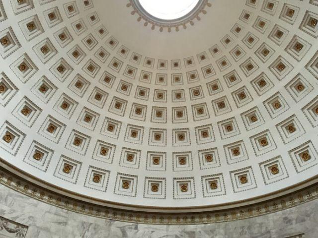 Il Tempio Canoviano di Possagno tomba di Canova è ispirato al Partenone e al Pantheon