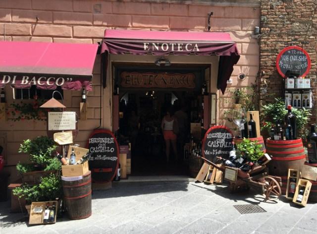 Cosa vedere nei dintorni di Siena? Ci sono tanti borghi meravigliosi tra le colline toscane