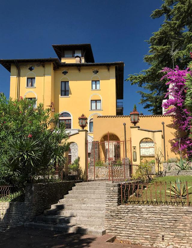 A Sirmione si trova la casa di Maria Callas: villa Meneghini-Callas