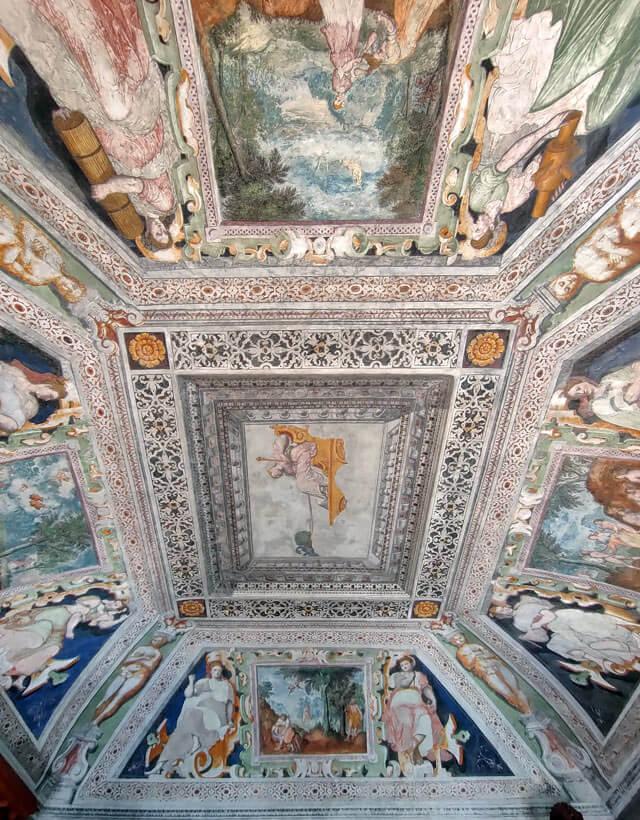 Gli affreschi di Palazzo Vertemate Franchi sono da vedere a Piuro in Valchiavenna