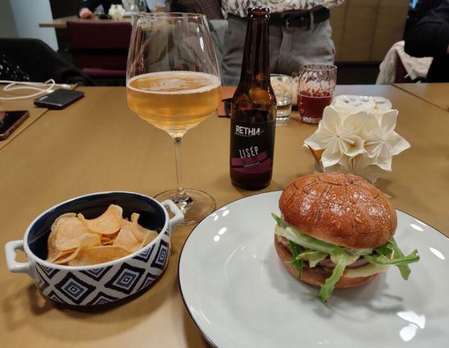 Il Martburger è uno dei piatti dello chef stellato Alfio Ghezzi del Mart