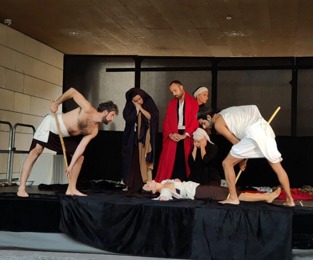 """La mostra """"Caravaggio il contemporaneo"""" al Mart di Rovereto inaugurata da tableaux vivants"""