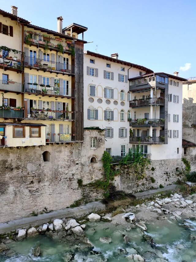 Nelle case affacciate sul torrente Leno a Rovereto veniva prodotta la seta