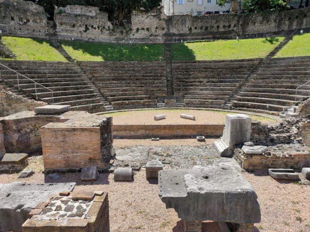 Il Teatro romano di Trieste si trova nel centro storico