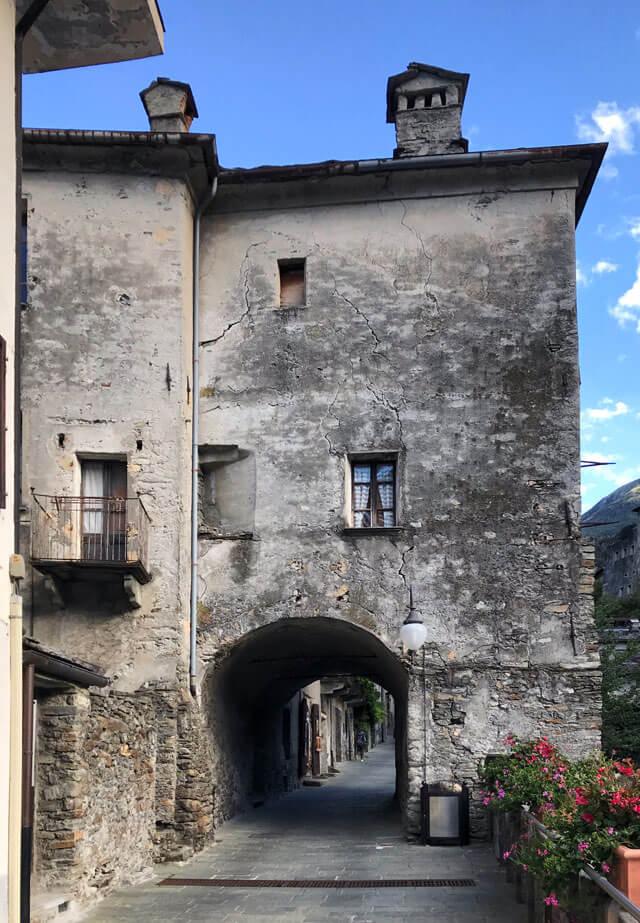 Il borgo di Bard è da vedere in Valle d'Aosta