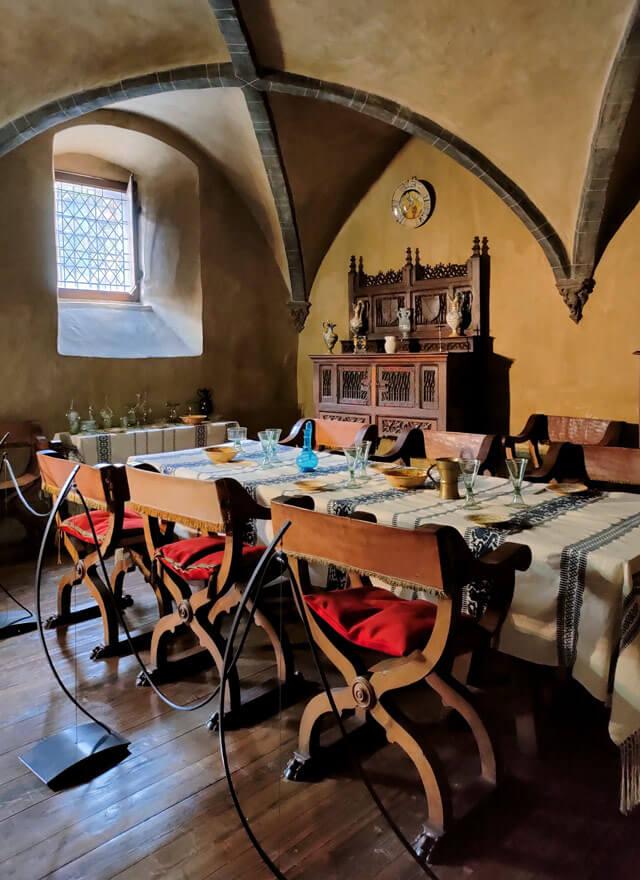 Tra i castelli della Valle d'Aosta bisogna vedere il Castello di Issogne