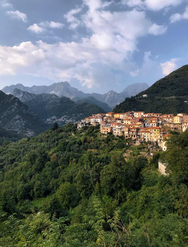 Altagnana è un piccolo paese di cavatori sulle Alpi Apuane di Massa-Carrara