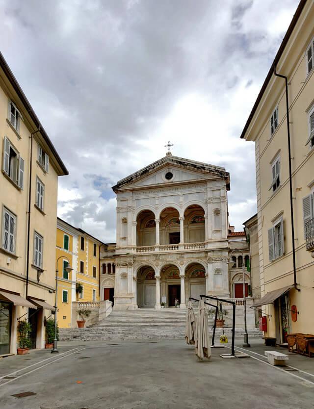 La Cattedrale di San Pietro è da visitare a Massa