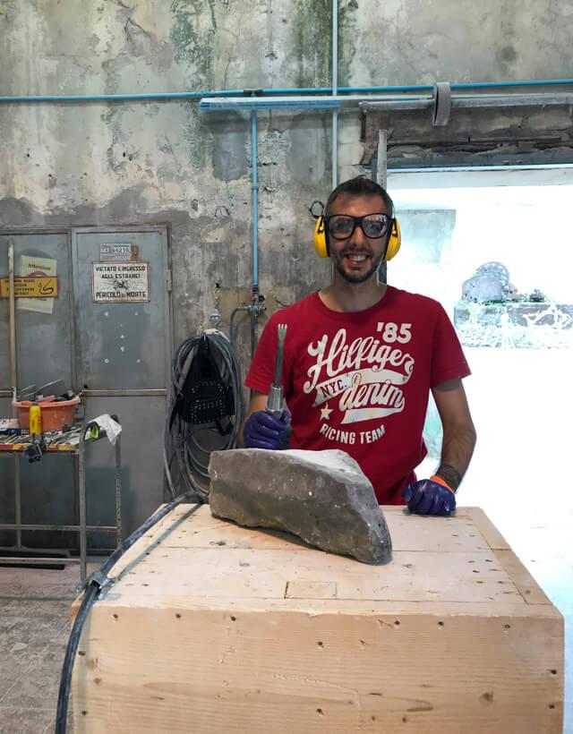 Cosa fare a Carrara? Un corso di scultura alle Cave Lazzareschi