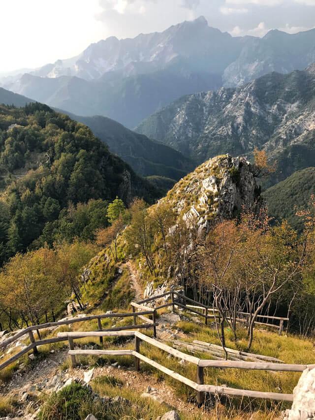 L'Orto Botanico delle Alpi Apuane è un sentiero di trekking con viste fantastiche!