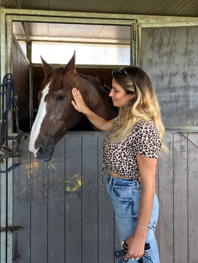 Terre di Luni permette di fare equitazione in Lunigiana