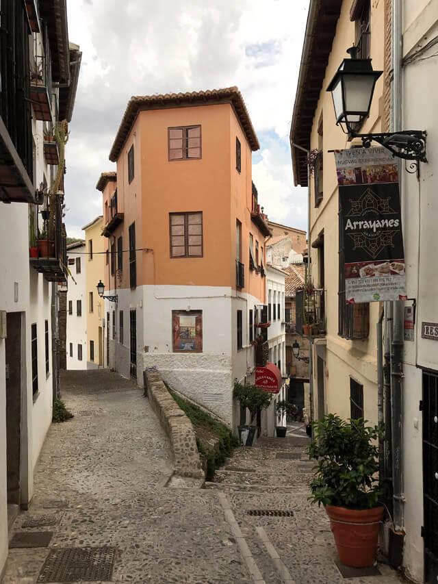L'Albaicín è il quartiere moresco dove è nata Granada