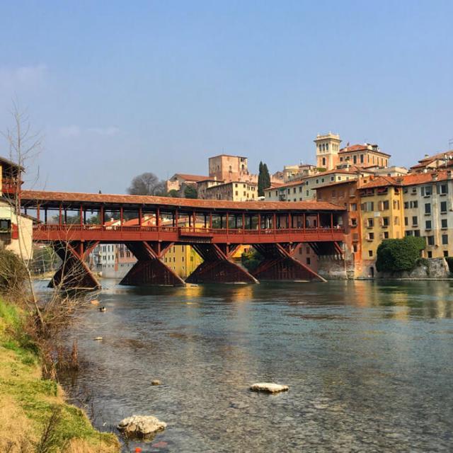 Il Ponte degli Alpini di Bassano del Grappa è da vedere