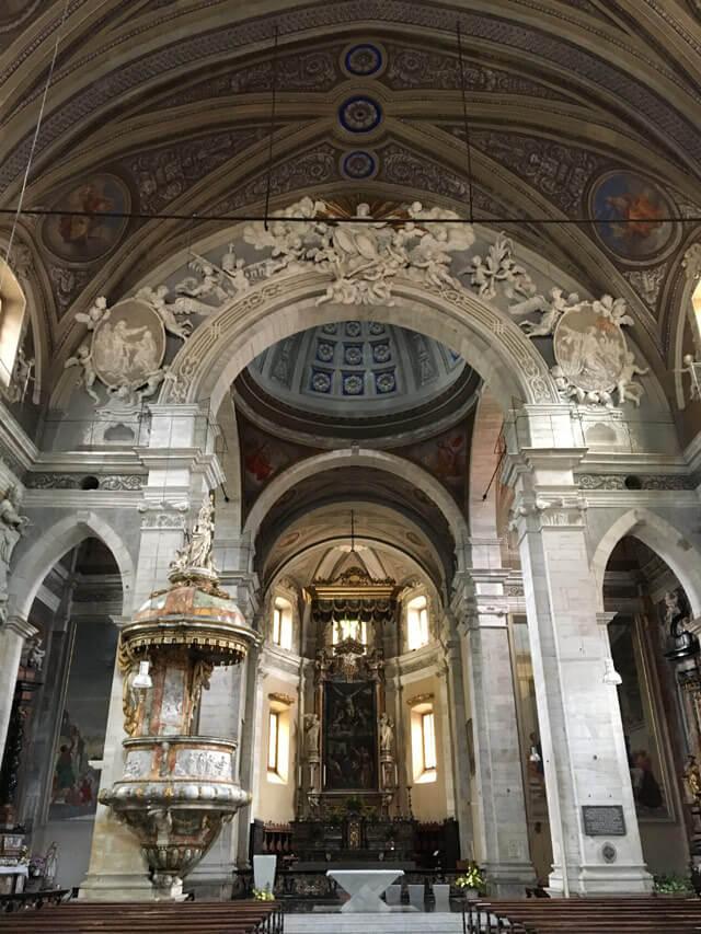 La chiesa Collegiata è da vedere a Bellinzona in Ticino