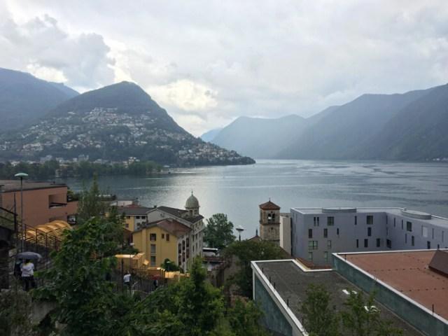 Lugano regala contrasti visivi tra edifici antichi e moderni