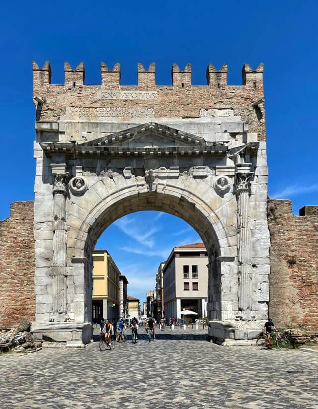 L'Arco di Augusto è da vedere a Rimini in Romagna