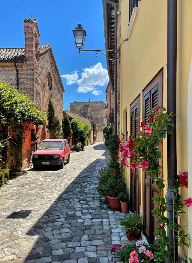 Santarcangelo di Romagna è un borgo da visitare nei dintorni di Rimini
