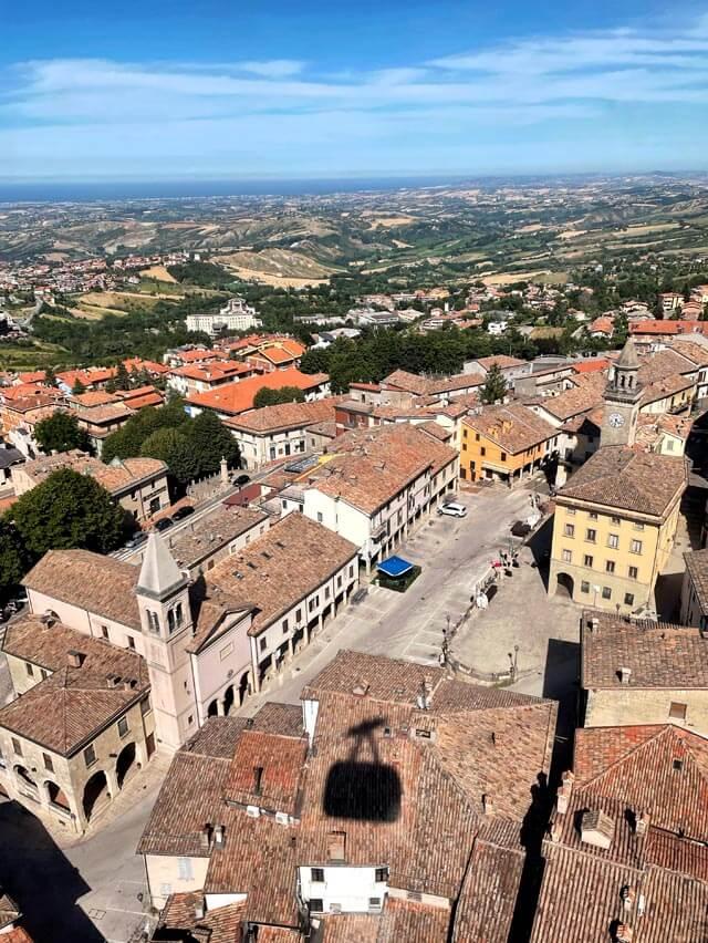 Come raggiungere San Marino? Io consiglio la funivia dal parcheggio 11