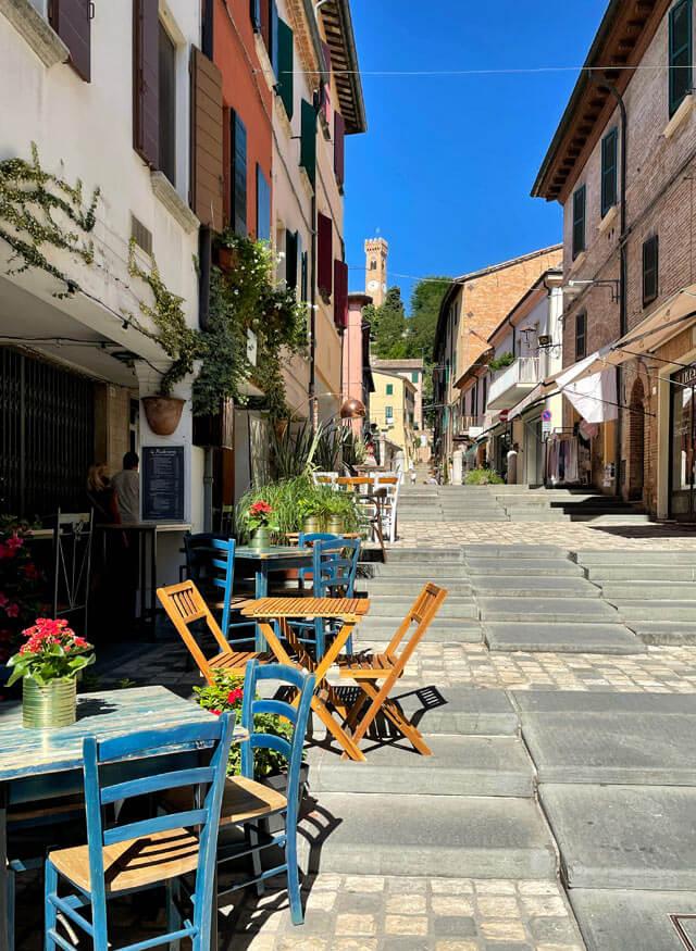 Santarcangelo di Romagna è un borgo pittoresco da vedere