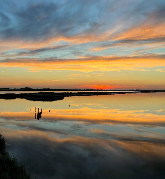 Cosa fare in Romagna? Vedere il tramonto alla Salina di Cervia