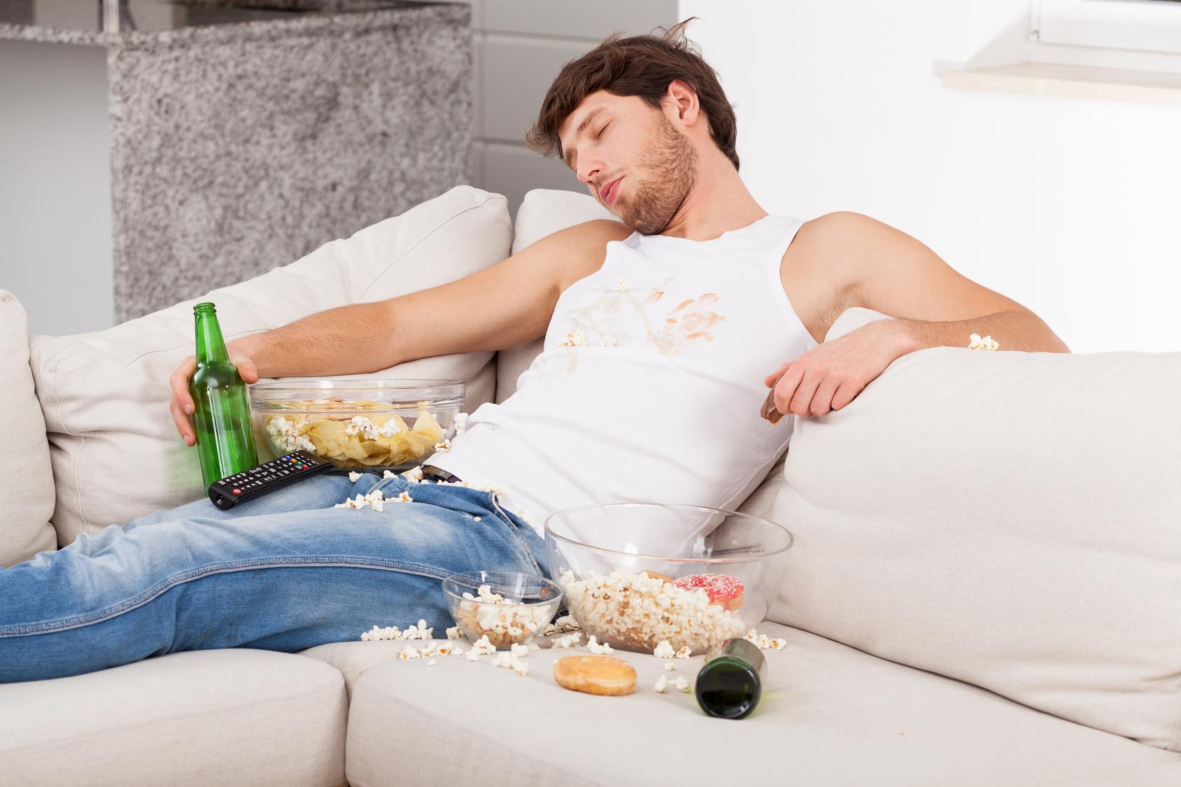 Como limpar o sofá da cerveja