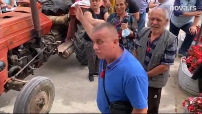 """SRBI IZ BUJANOVCA OTKAZALI POSLUŠNOST: """"Država nas ne jebe, Vučić prodaje labadaba maglu!"""" (VIDEO) 1"""
