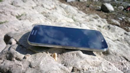 Samsung Galaxy S4 in nature 008