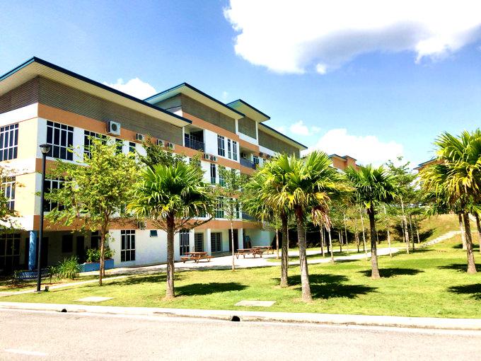 マレーシアのインターナショナルスクールの実験室