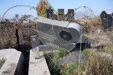 zadusnice-groblje-mitrovica-1328585176-111443