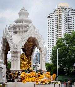 Image of praying at Erawan Shrine, Bangkok (1)
