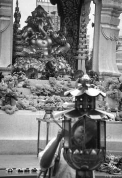 Image of praying at Erawan Shrine, Bangkok (6)