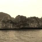 www.sreep.com 20160321_042820 Vietnam, Halong-Bucht: Halongs Inseln im Morgennebel