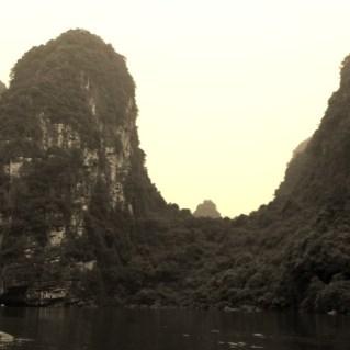 www.sreep.com 20160323_082115 Vietnam, Ninh Binh: Daytrip to the holy grottos of Ninh Binh & Trang An