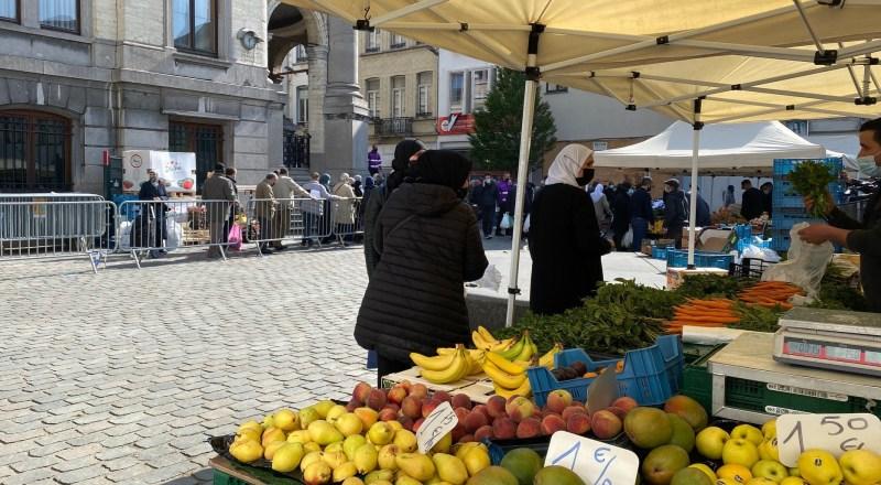 Impfaktion auf dem Wochenmarkt von Molenbeek