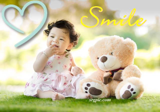 baby-sitting-on-green-grass-with-cute-smile-whatsapp-dp-images