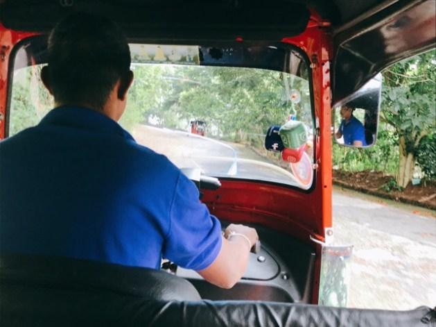Sri Lanka Jasmine Tours & Driver スリランカジャスミンツアーズ撮影。 アンブルワワタワーに行くまでのトゥクトゥク