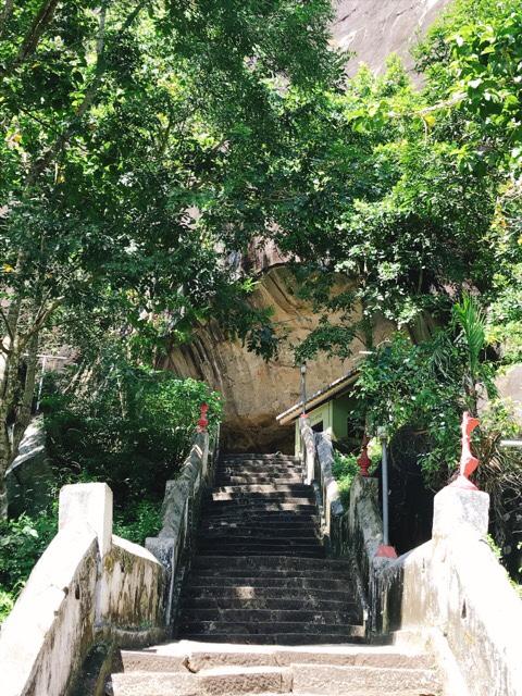 Sri Lanka Jasmine Tours & Drivers スリランカジャスミンツアーズ撮影。 マルキリガラ寺院 マルキリガラ遺跡 ムルキリガラ の階段