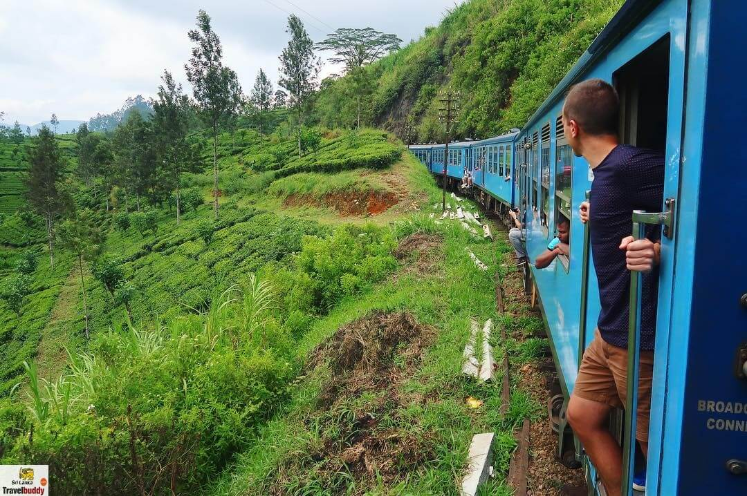 train journey from Kandy to Nuwara Eliya