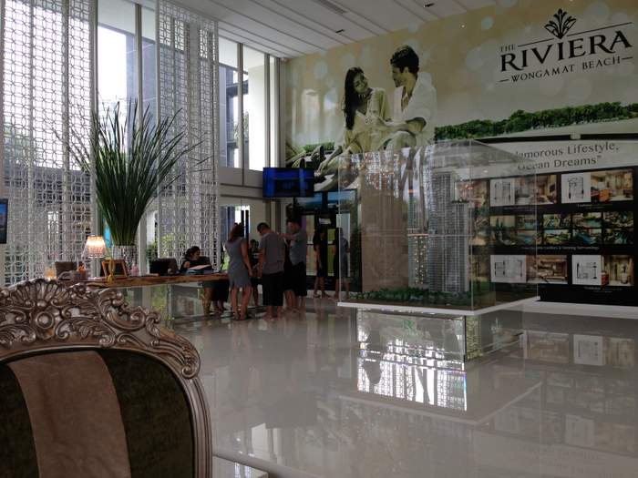 Rivieara showroom pattaya