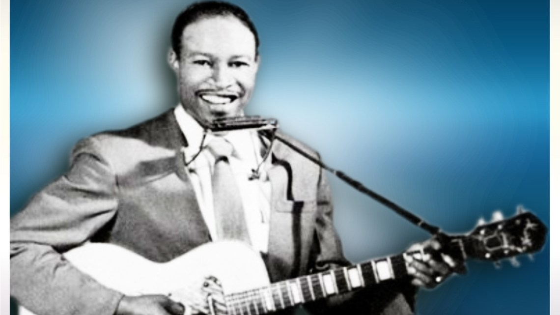 Jimmy Reed – Boogie In The Dark