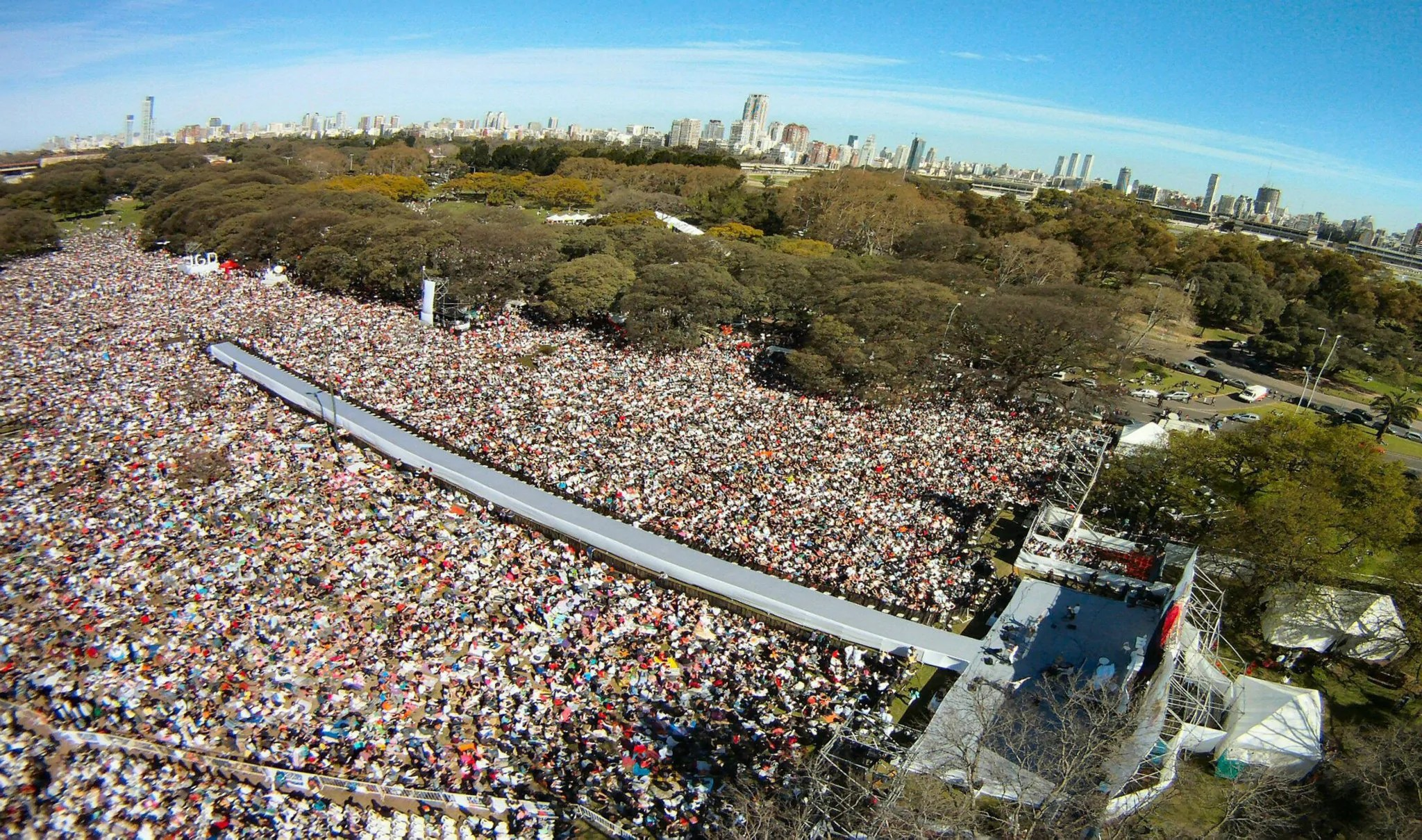 150,000 Meditators Come Together for Peace