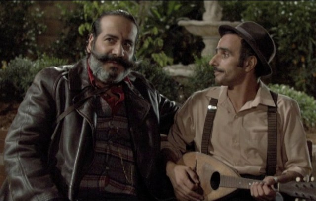איציק קונפינו בתפקיד משה מנדולינה ושמעון מימרן בתפקיד הנבל המשופם יחזקאל צידוקה
