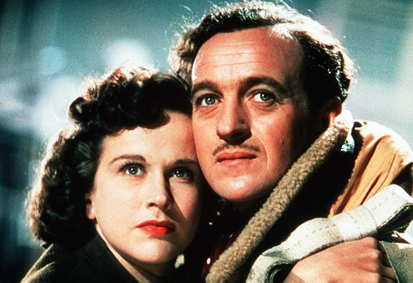 PETER CARTER (DAVID NIVEN) AND JUNE (KIM HUNTER) *** Local Caption *** Feature Film