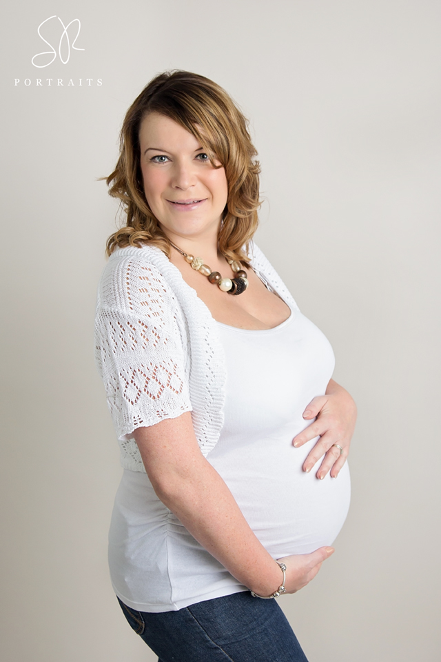 35 weeks pregnant, Maternity Photography Leicester