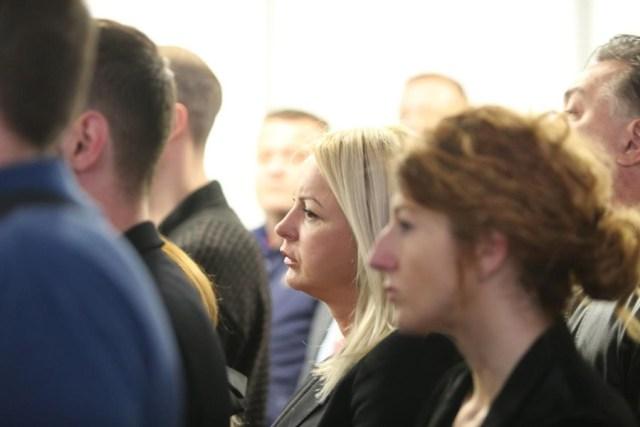 """""""POZOVI ME SINE, MOLIM TE"""" Potresni govor oca Slaviše Krunića, na komemoraciji se PROLAMALI JAUCI (VIDEO) 4"""