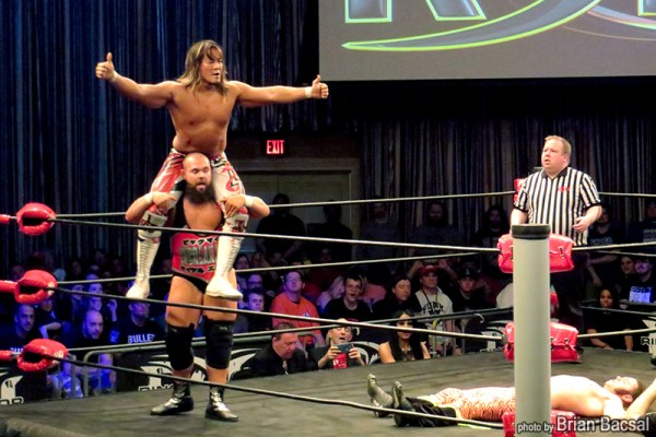 Hiroshi Tanahashi and Michael Elgin tag-teamed against the Young Bucks