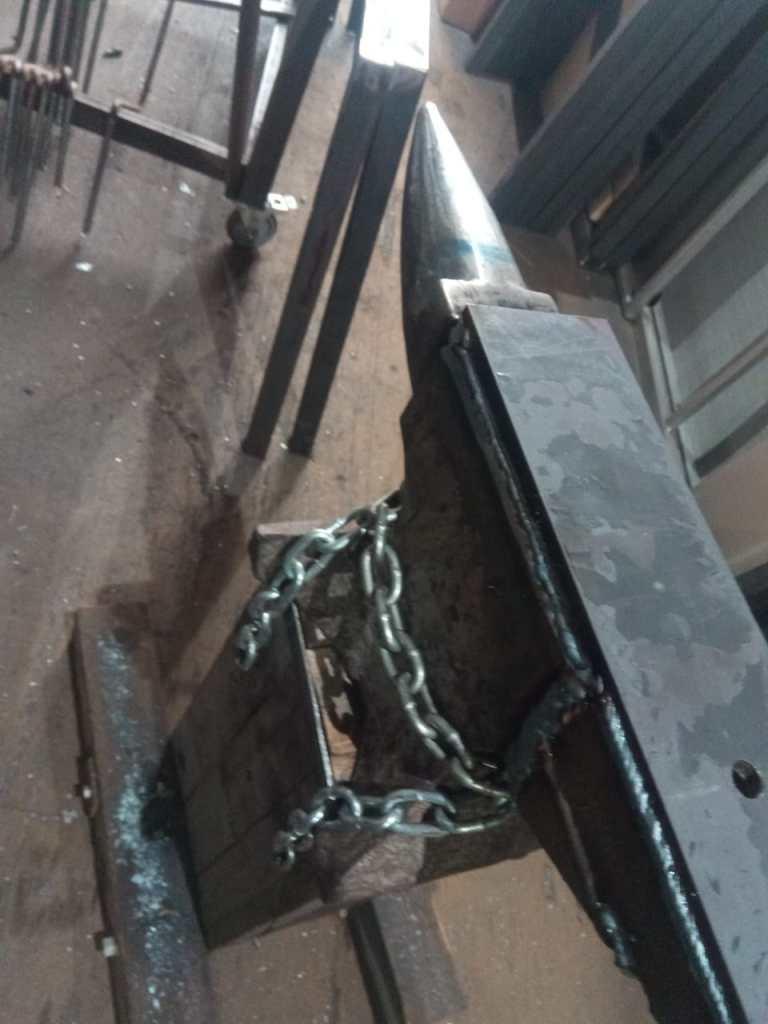 anvil repair top view