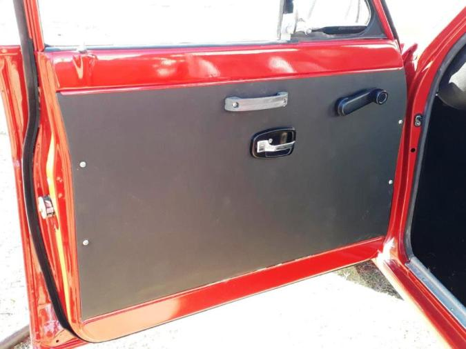 Nissan 1400 interior door panel