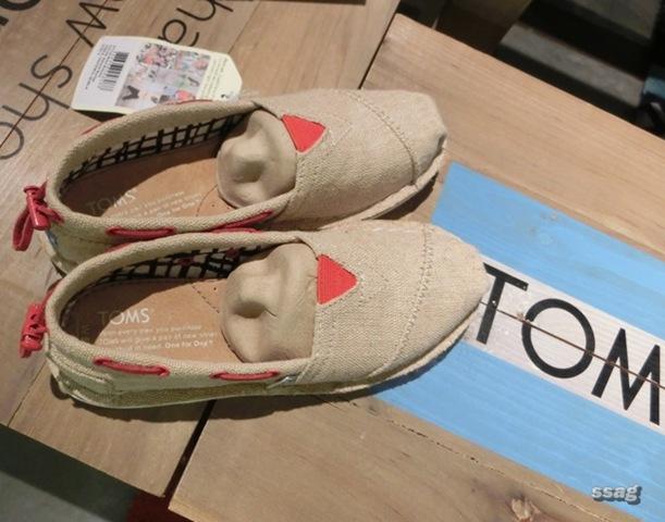 【鞋子】TOMS 好看ღ 好穿ღ 公益鞋ღ @ 草莓卡比 ღ 生活誌 :: 痞客邦