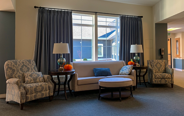 Living room area in skilled nursing home at SSC
